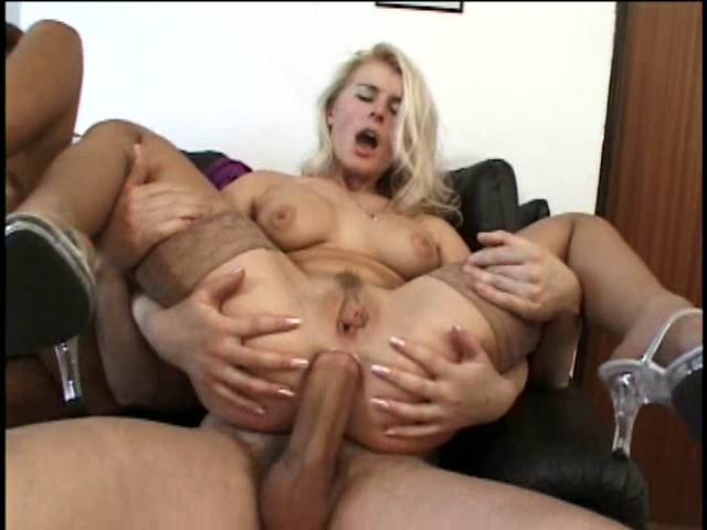 smotret-porno-roliki-double-penetration-german-milf