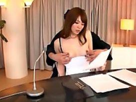 צעירה מאסיה בסקס מופלא וחם!