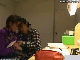 מצלמות נסתרות בחדרה של הסטודנטית!