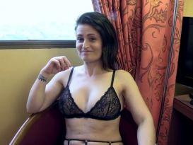 אמלי מקבלת סקס נהדר בתחת!