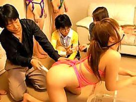 יפניות שובבות מושפלות בפומבי!