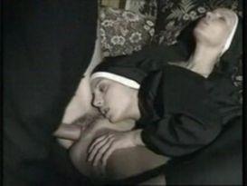 נזירות חרמניות בסקס נהדר!