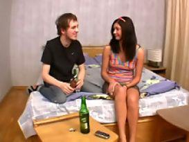 שובבה חרמנית אוהבת סקס באורגיה נהדרת!