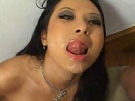 צעירה מאסיה אוהבת מין חם וטוב!