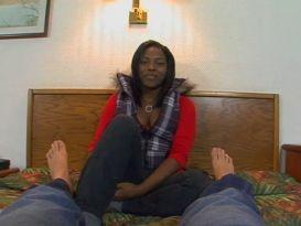 שחורה שופעת בראיון עבודה