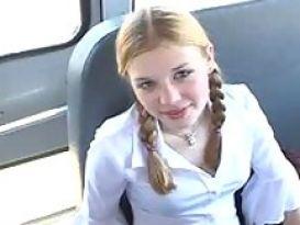 סטודנטית בסקס באוטובוס!