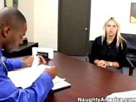 שרה ואנדל מפוצצת את הראיון