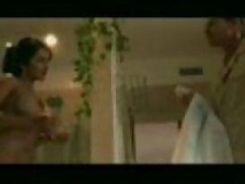נינה מרצדס מוצצת זין לבן ענק