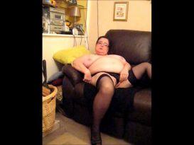חובבנית שמנה מאוננת במצלמת רשת!