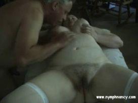 זוג מבוגרים בסקס