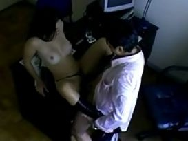 סקס משרד עם לטינית חמה!