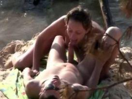 סקס טוב וחובבני על חוף הים!