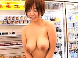 צעירה סקסית וחמה אוהבת להזדיין נהדר!