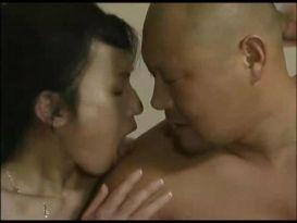 סרט פורנו יפנינהדר עם צעירה שווה!