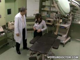 חרמנית מאסיה מקבלת טיפול נהדר מרופא!